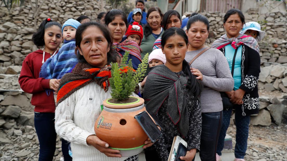 © https://actualidad.rt.com/actualidad/344417-joven-peruano-inventa-maceta-planta-electricidad-alinti